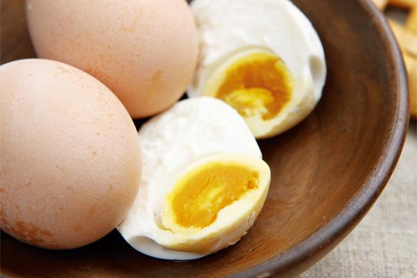 3天醃漬製鹹蛋黃,苗農有創意|台灣好食材...