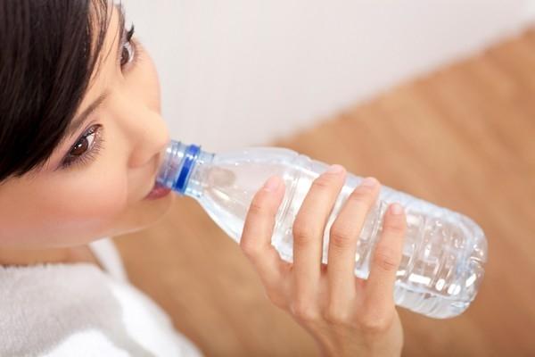 常喝這六種毒水,等於慢性自殺!沒想到過濾的水長期喝竟然......