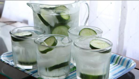 日本發明最新減肥法!黃瓜+水,比7天刮掉5公斤還更有效果,要...
