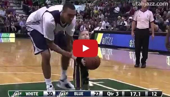 非常催淚的一部影片,五歲的病童一圓夢想,走上NBA的球場如願...