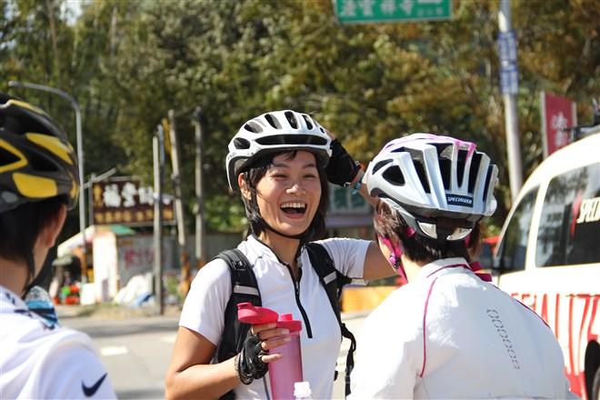 台灣女孩Minka謝承惠14000公里的單車跨洲返家壯舉...