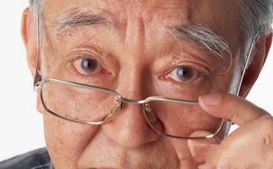 必看!年紀到了,眼睛一定會老花!教你最有效改善老花眼的方法!...