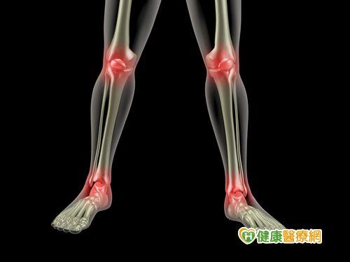 孩子膝關節疼痛小心幼年型自發性關節炎...