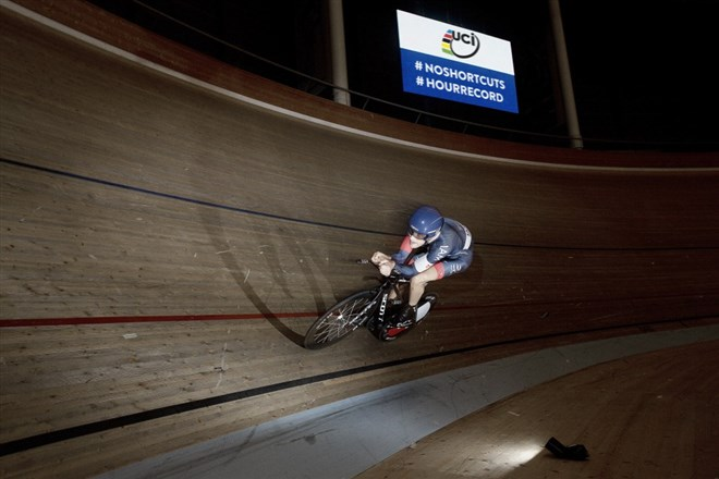 MatthiasBrändle挑戰最速場地繞圈世界紀錄...