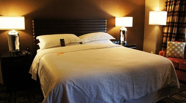 為什麼酒店要放4個枕頭?99%的人都不知道!...