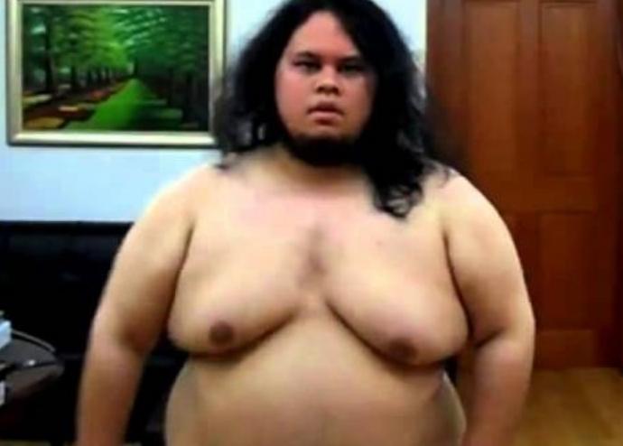一個胖子去健身房健身遭人嘲笑,然後8個月後…...