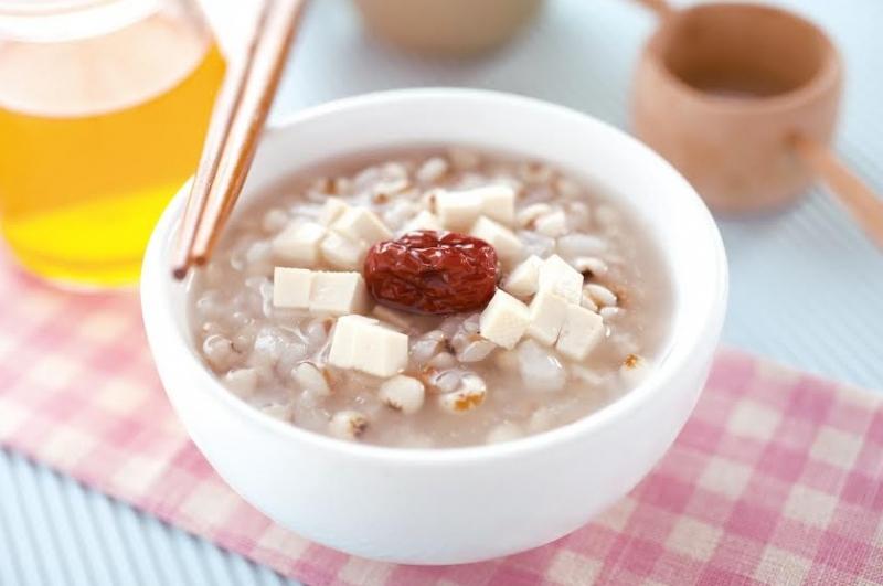 【清火去熱:豆腐薏仁粥】...