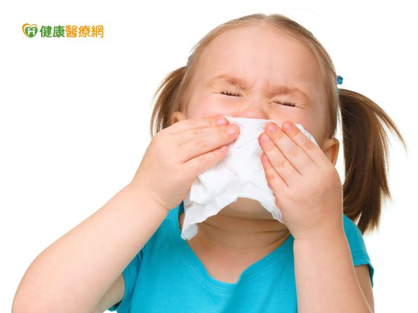 過敏性鼻炎大困擾食療及穴位有一套...