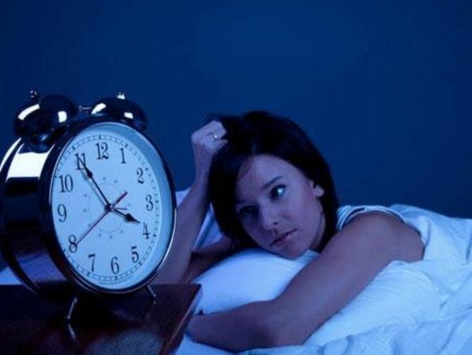 習慣晚睡的人,20年後全都後悔了,但都來不及了!...