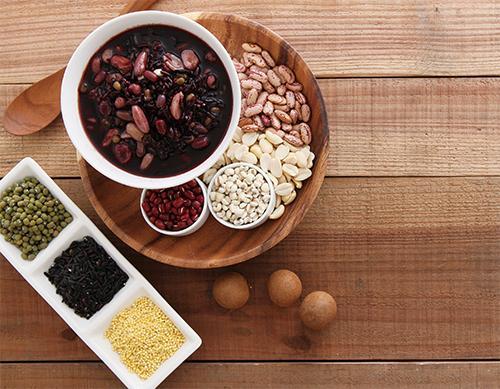 多吃高纖食物,預防大腸憩室炎...