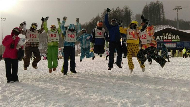 現場直擊雪季首發團韓國HIGH1來報到...