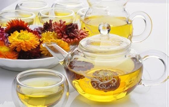 原來菊花茶營養價值這麼高,每天一杯菊花茶居然能抗這麼多病!!...