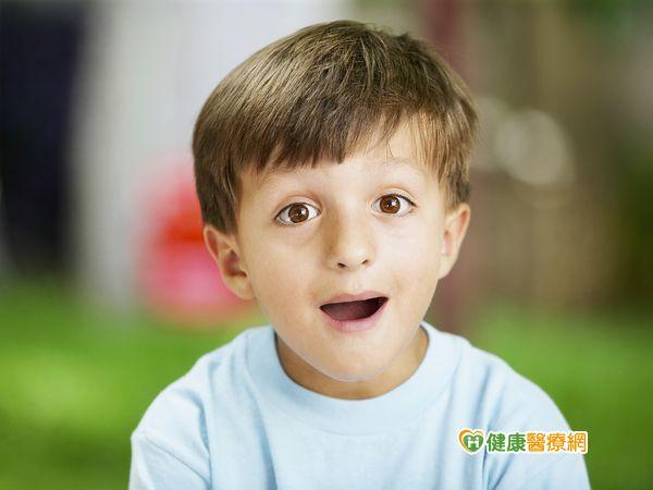 孩子說話不清楚恐是口腔動作發展異常...