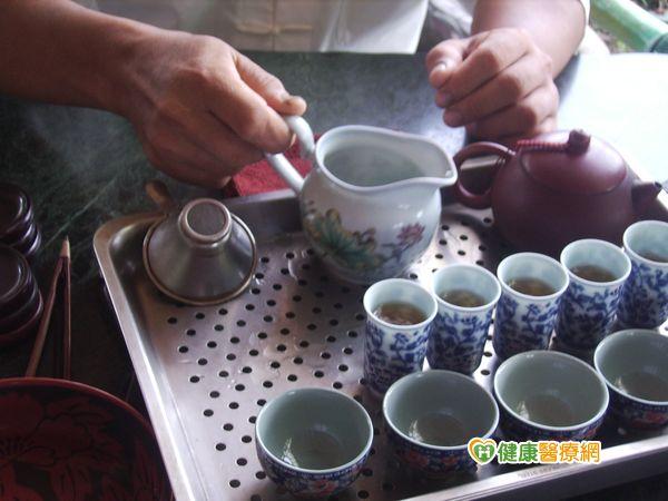 喝茶有道營養師:第一泡茶較營養...