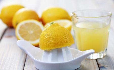 檸檬水已經夠神,做了這個動作功效竟然再強1000倍...它會...