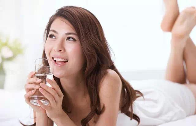早上起床先刷牙還是先喝水,99%人都做錯了!...