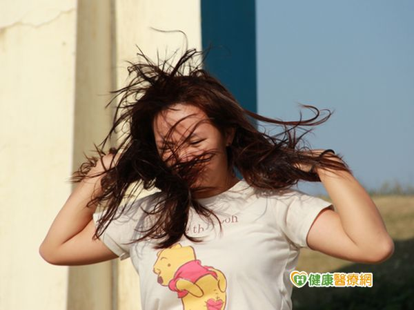 短時間染燙髮她頭皮糜爛狂掉髮...