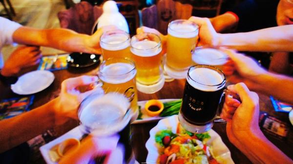 過年喝酒時千萬別配這4種菜,否則胃癌肝癌上身!!很重要!記得...