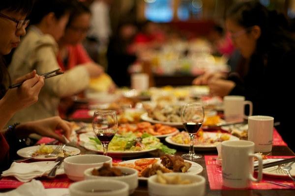 一定要提醒你家人!!晚餐千萬別這樣吃!!否則11種疾病上身!...