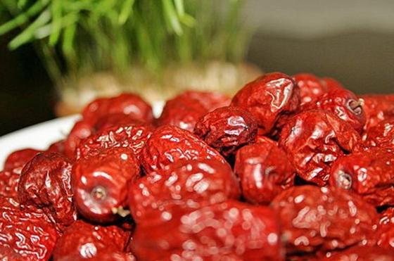 妳一定不知道紅棗居然有這種黃金吃法,可以排毒養肝...