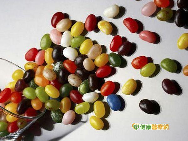 糖果鮮豔色素多童愛吃恐增過動致癌疑慮...