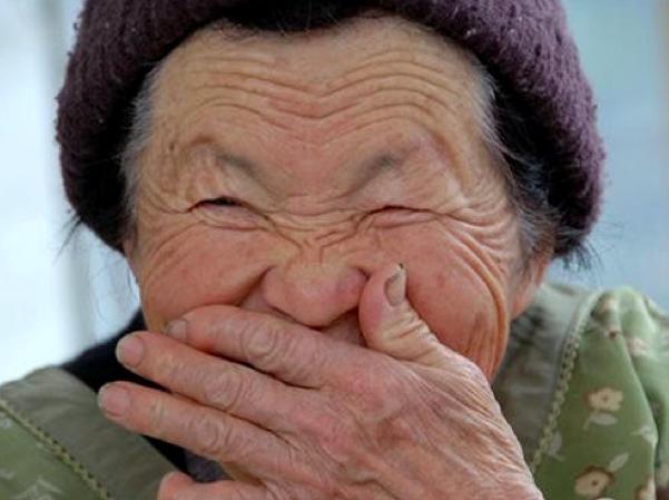 如果你媽媽在這個年紀前生你,恭喜!趕快準備好要活到100歲了...