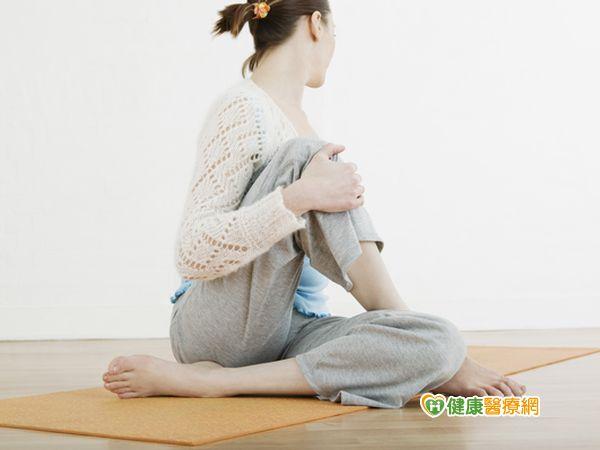 練瑜珈拉腿她鼠蹊部劇痛難行...