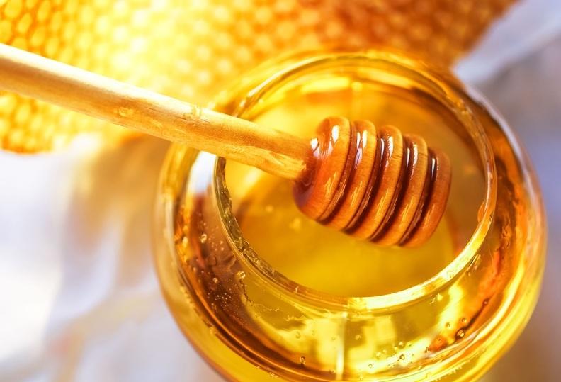 購買任何標榜「低油」的健康食品,請記得檢視所標示的含糖量...