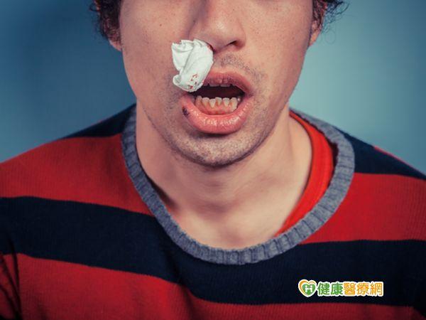 16歲男生常常流鼻血竟是腫瘤所致...