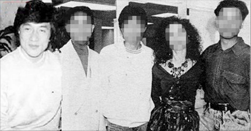 成龍當年「死亡合影」曝光:照片裡5人只剩我沒死!尤其「她」的...