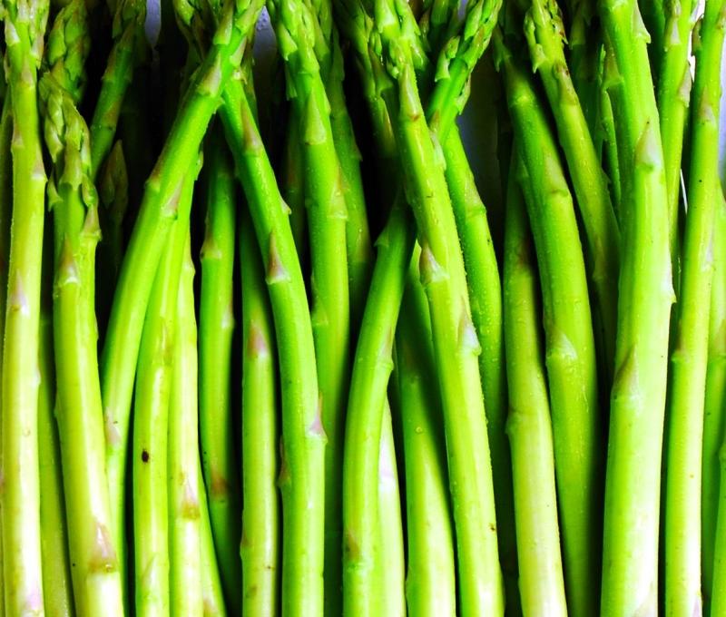 第一抗癌蔬菜--蘆荀,含高葉酸,可改善心臟病、高血壓,但這兩...
