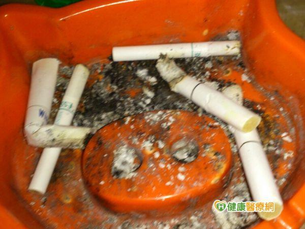 一天五包菸19歲男子罹患氣胸...