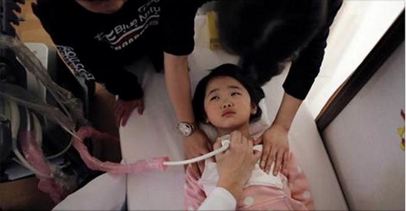 5歲女童被發現肝癌末期!醫生警告:這9種零食,別再給孩子亂吃...