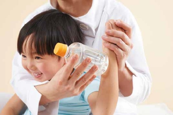 超簡單的自我保健法!只要寶特瓶+熱水就搞定!適合幼童的寶特瓶...