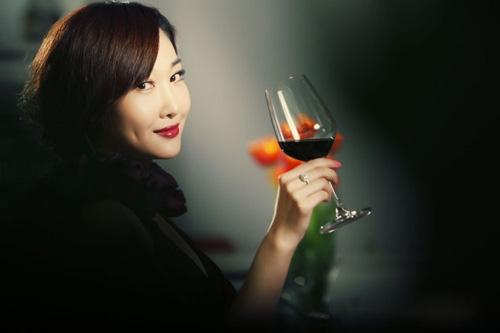 長期喝紅酒給女人身體帶來的驚人變化,第三點真的造福所有女性!...