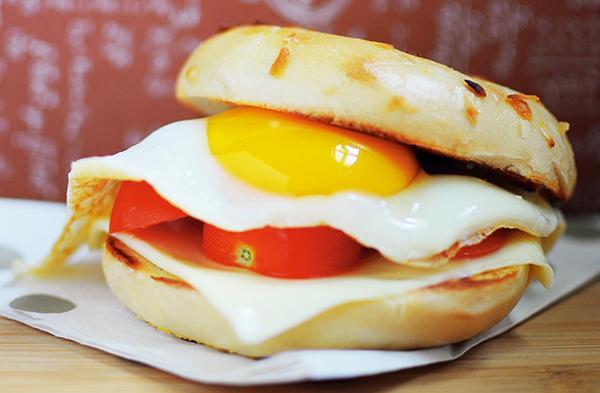 做早餐有訣竅,快又營養...