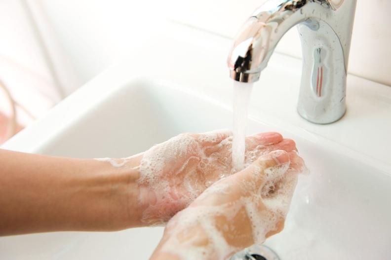 限水季節來臨,你應該學會的正確洗手5步驟!!別讓腸病毒有機可...