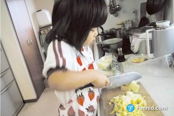 媽媽走了!五歲開始獨立生活的小阿花,讓你含著眼淚微笑!...