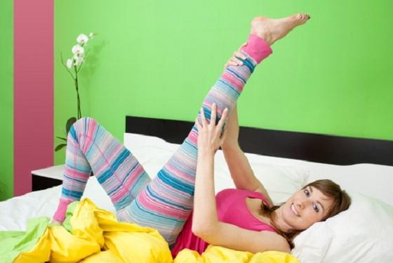 簡單到不行的擊退「腿浮腫」方法!!只要在睡前花1分鐘.......