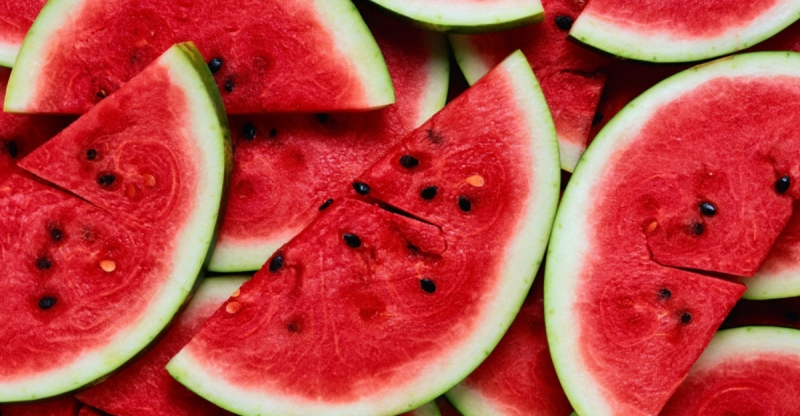 夏天怎麼可以沒有又甜又多汁的西瓜呢?!西瓜該怎麼挑?那些人不...