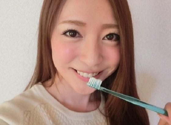 牙刷竟然也可以「消除法令紋」?!名醫告訴妳,輕鬆有效的穴道按...