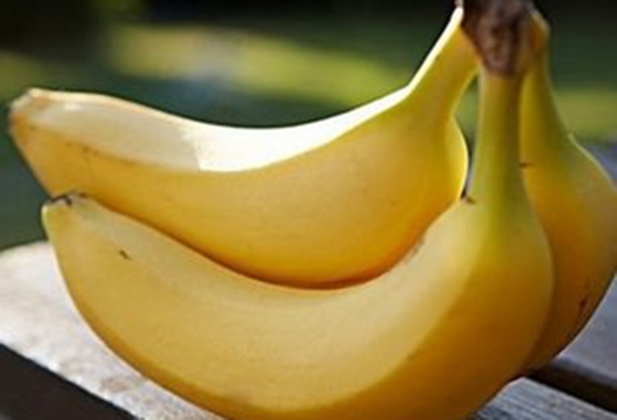 香蕉方便又好吃,但千萬記住別和這一起吃,除非你想死!!...