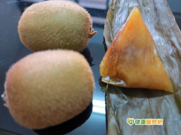 吃粽配水果最好預防便祕不怕胃脹氣...