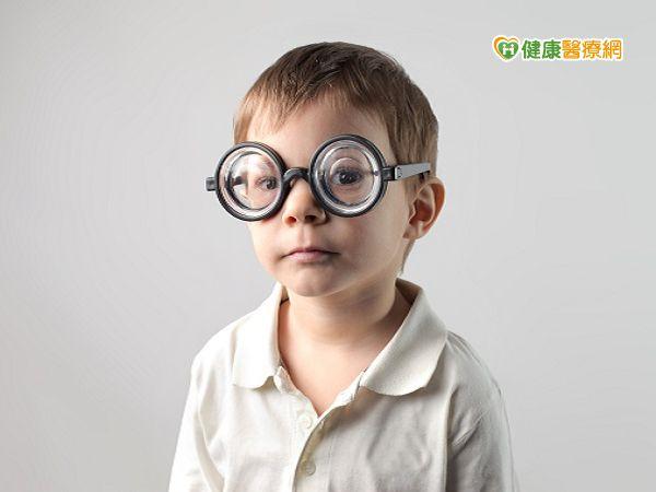 考季過度用眼保護視神經很重要...