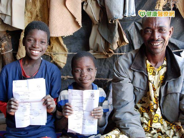 世界難民日一起資助孩子重建家園...