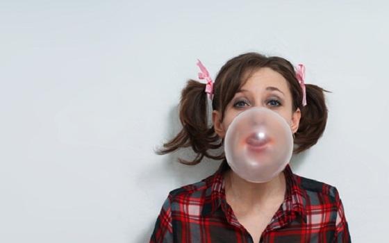 不用花錢就可以讓「牙齒」整齊漂亮!!女生都該做的4個超簡單小...