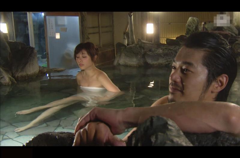 看看這些男女在溫泉裡幹什麼...怪不得總是婦科病,再也不泡溫...
