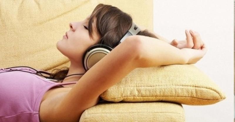 千萬不要戴著耳機睡覺,下場就像她...太恐怖了!...
