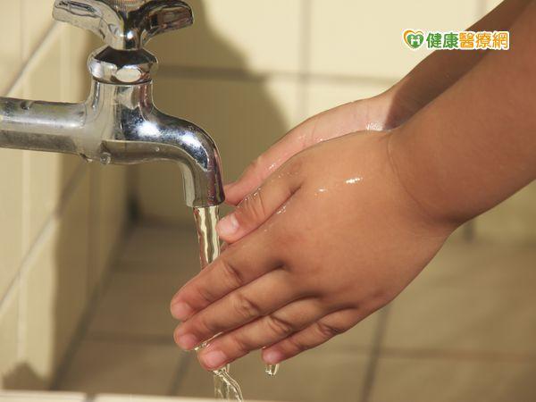 腸病毒警訊期北市升溫應正確洗手...