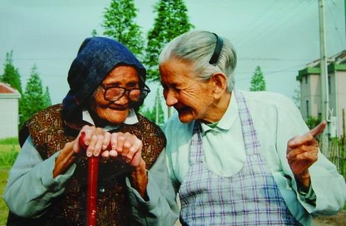 長壽秘訣~8個生活小習慣讓你長命百歲!原來喝「這個」也可以!...